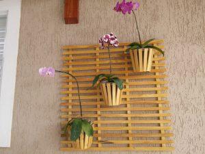 o jardim de orquideas vertical possui muitos modelos